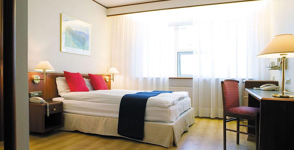 Spend 3 or 4 nights at Hotel Ísland or similar