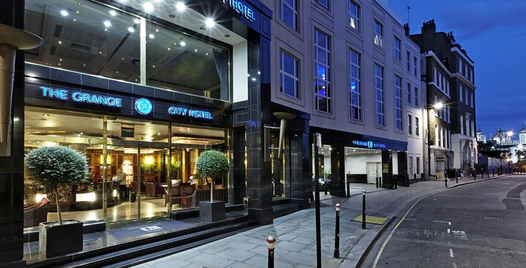 Stay at either the Grange City Hotel 5*