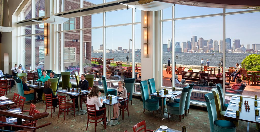 This waterfront hotel boasts the best of Boston's cityscapes