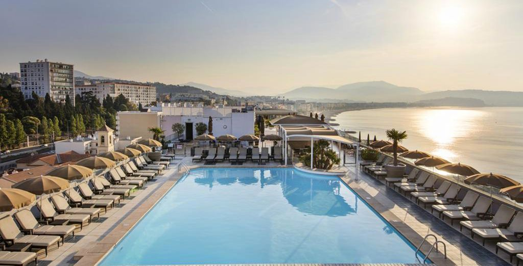 Enjoy the pool in the terrace with an amazing view