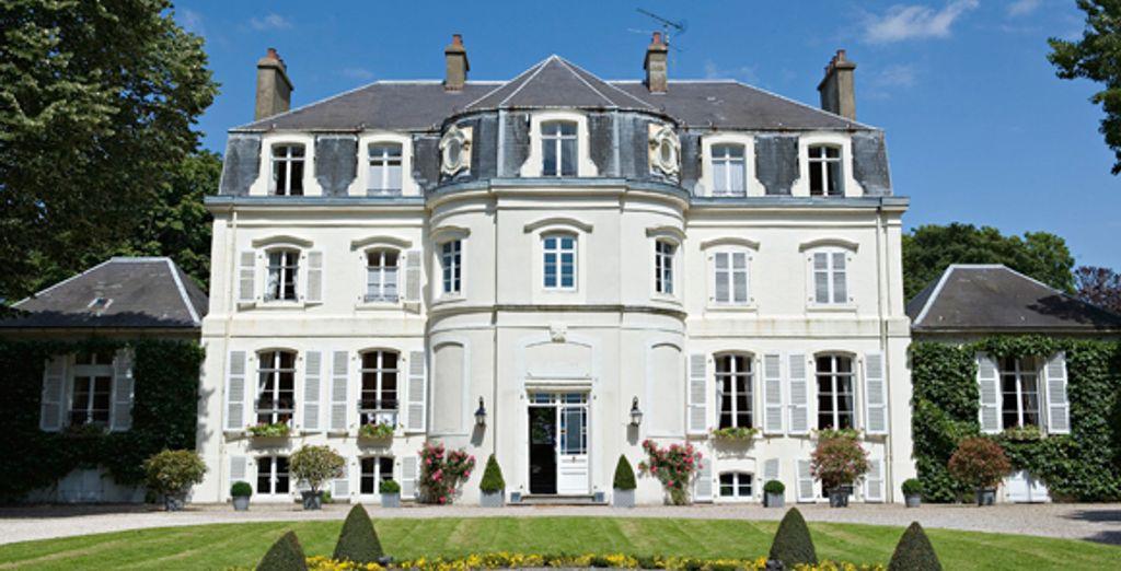 - Chateau Clery - Hesdin L'Abbe - France Hesdin L'Abbe