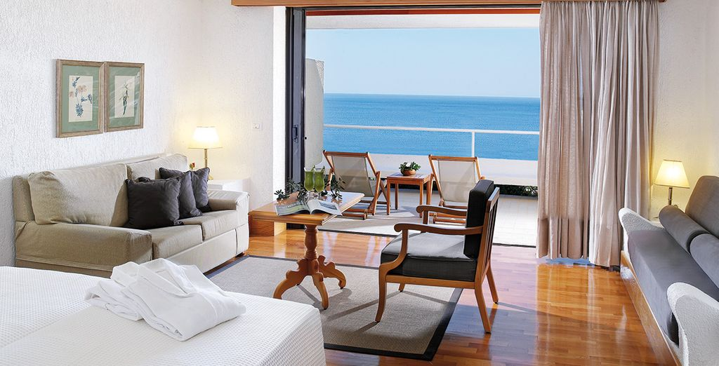 Stay  in a Porto Sea View Room