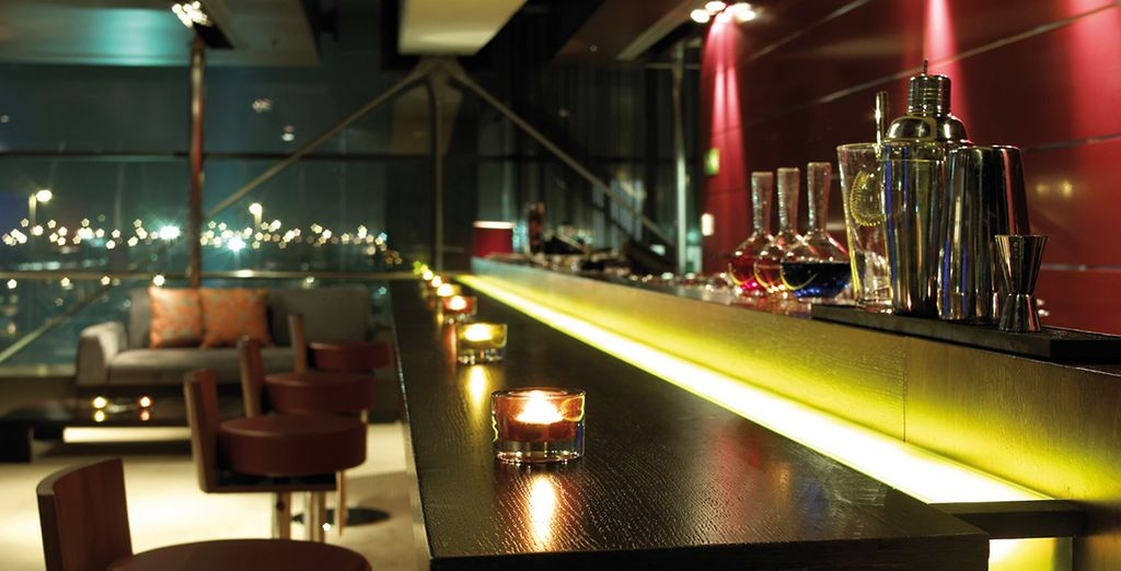 After a day's sightseeing, head to the stylish bar to unwind