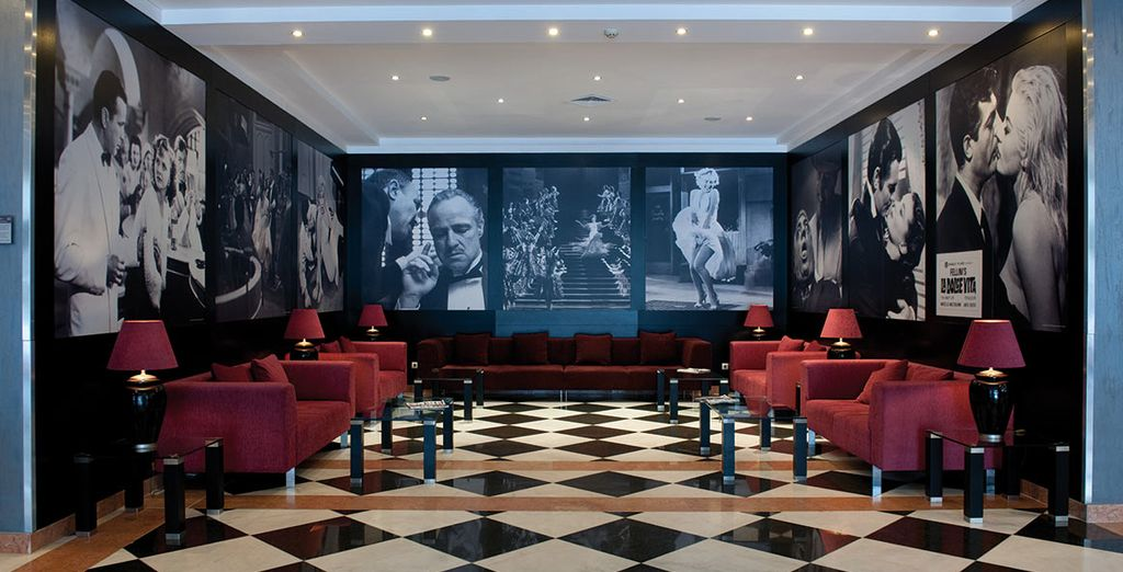 And stay in the sleek and stylish Vila Gale Hotel - Vila Gale Porto 4* Porto