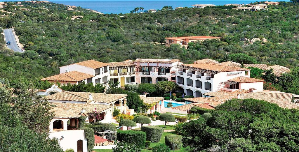 Discover the glamour of the Costa Smerelda