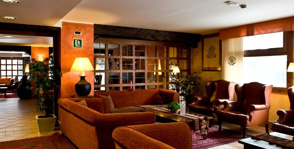 And stay at the 4* Hotel Himalaia Soldeu