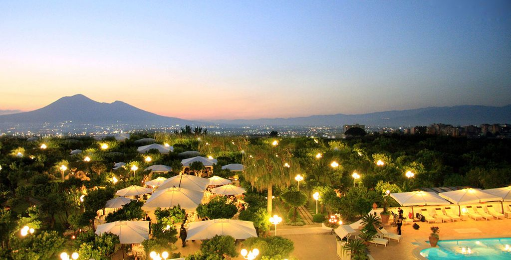 And admire views of Mount Vesuvius - La Medusa Hotel 4* Amalfi Coast