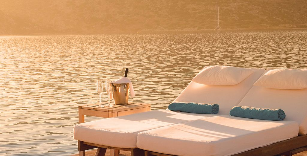 Or sip some bubbly to the sounds of the ocean...