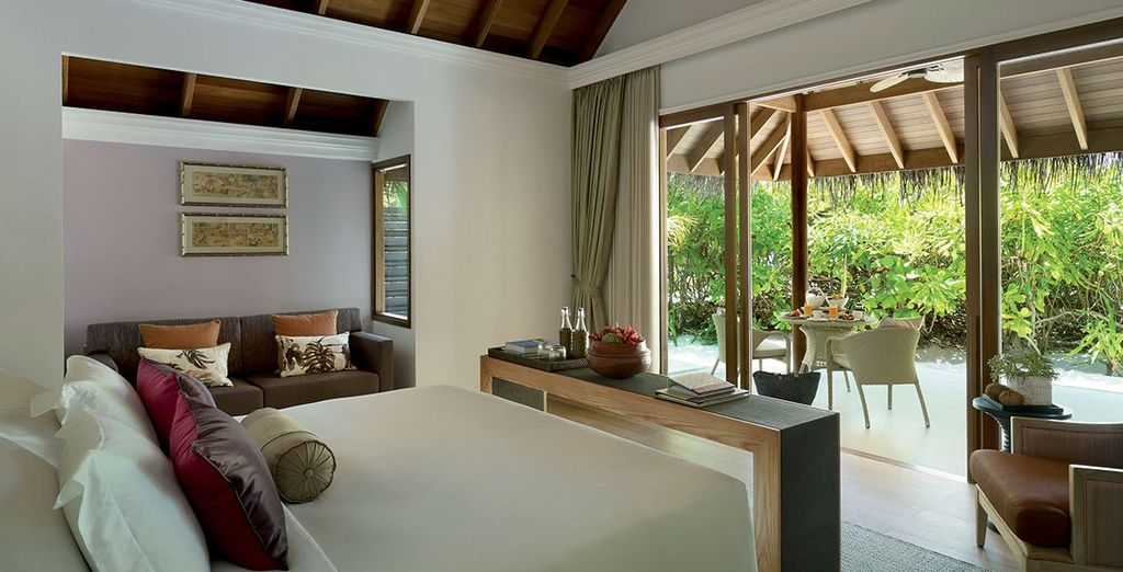 Unwind in style in the spacious bedrooms at Dusit Thani