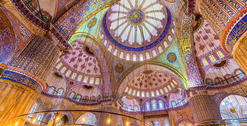 Explore all the sights of this amazing city, including the impressive Blue Mosque