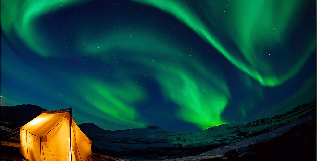Witness a powerful natural phenomenon - the unmatchable wonder of the Northern Lights - Clarion Hotel The Edge 4* Tromso