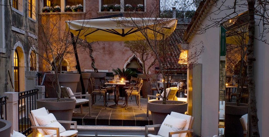 Enjoy Champagne on the Krug terrace and live the life of true indulgence - Palazzina G 5* Venice