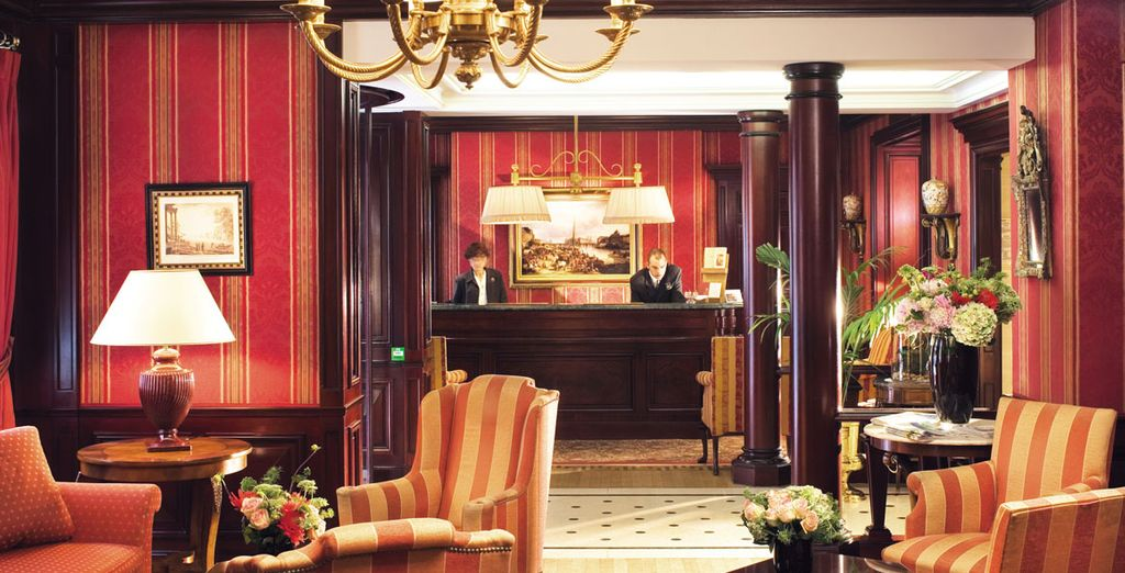 An excellently located hotel in the heart of the Golden Triangle - Hotel Franklin Roosevelt 4* Paris