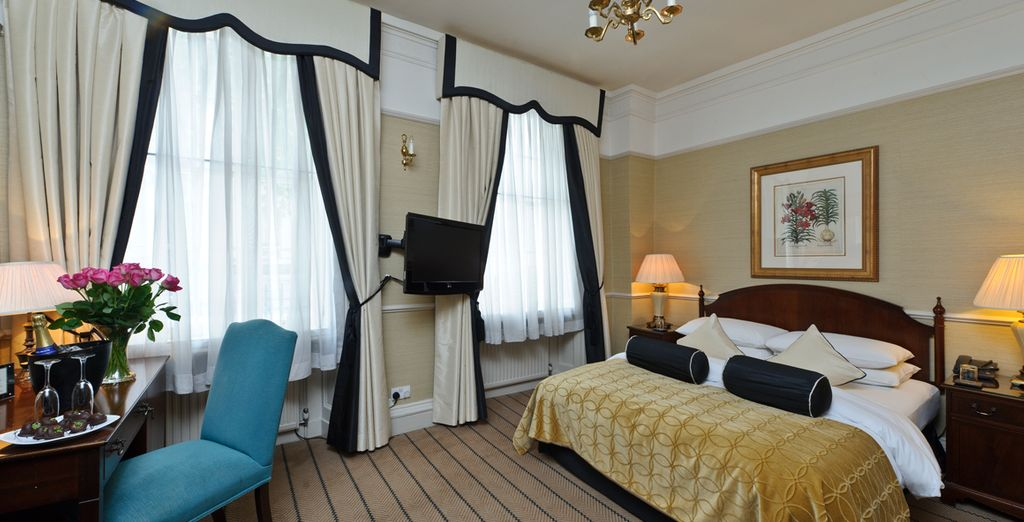 Stay in an elegant Standard Room