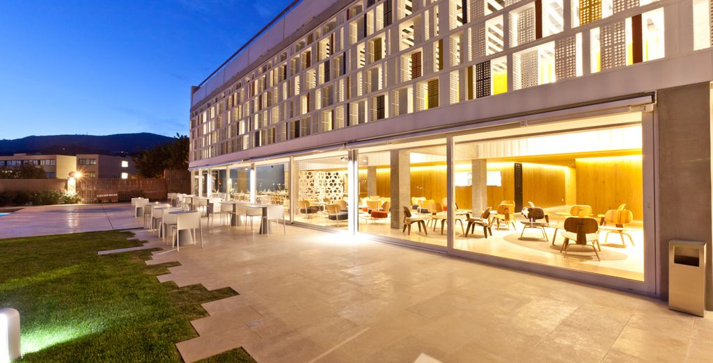 Then return to your sleek, stylish hotel for a delicious evening meal...