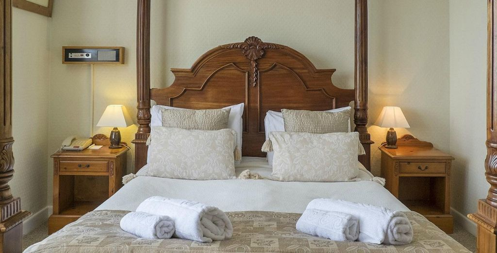 Or even an elegant Junior Suite with a sea view