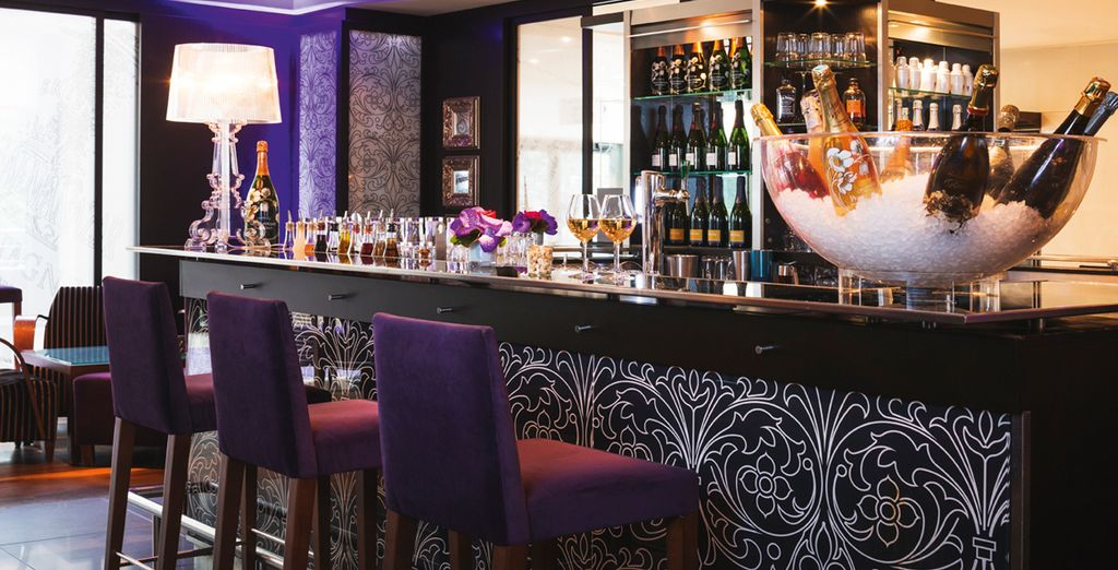 After sightseeing, head to your hotel bar for a cocktail