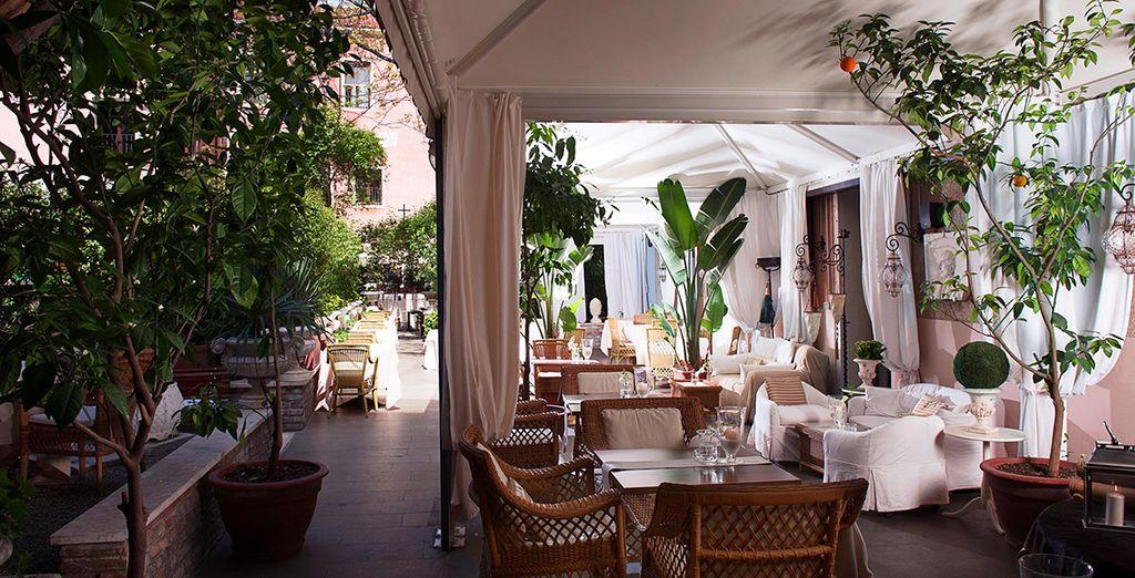 Enjoy breakfast al fresco ...