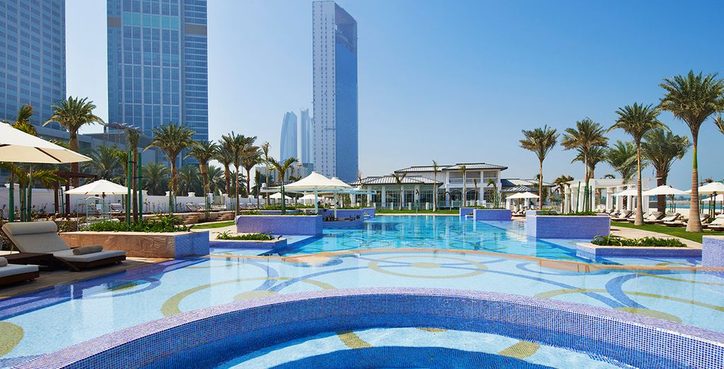 Soak up the sun by the palm-lined pool - St Regis Abu Dhabi 5* Abu Dhabi
