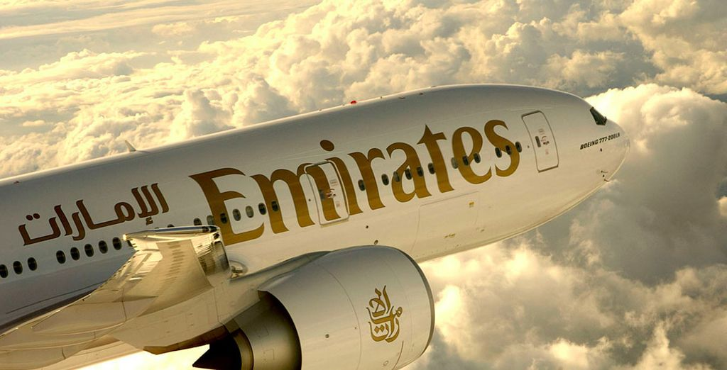 Choose first class flights with Emirates at our exclusive discounted rates