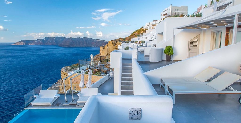 Santorini Secret Suites & Spa 5* - holidays to santorini