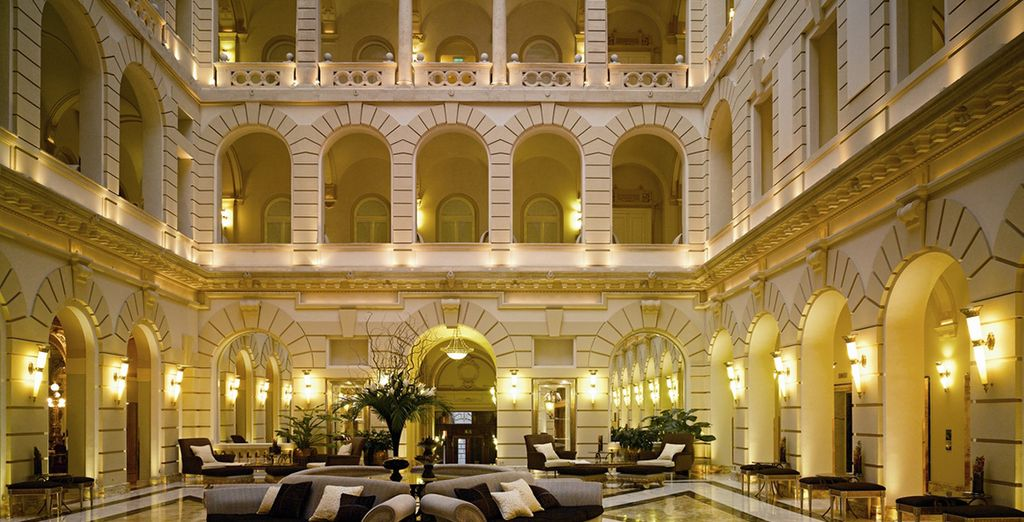 A stunning entrance hall welcomes you to this 5* landmark hotel