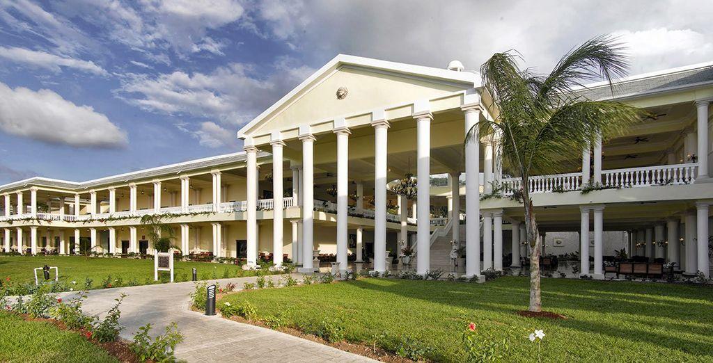 You will find the 5* Grand Palladium Jamaica Resort & Spa