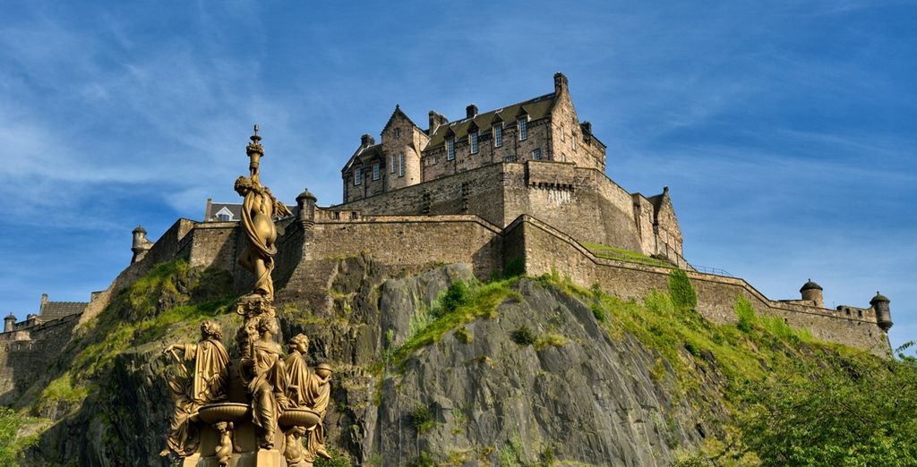 the hotel is only 20 minutes away from the dramatic Edinburgh Castle