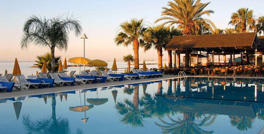 At Palm Beach Hotel