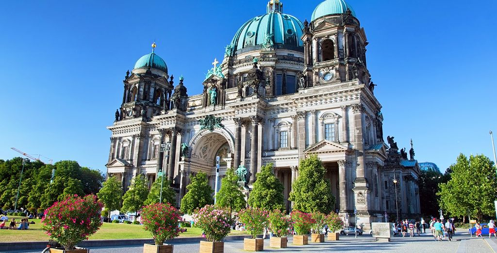 To the architectural beauty of the Berlin cathedral