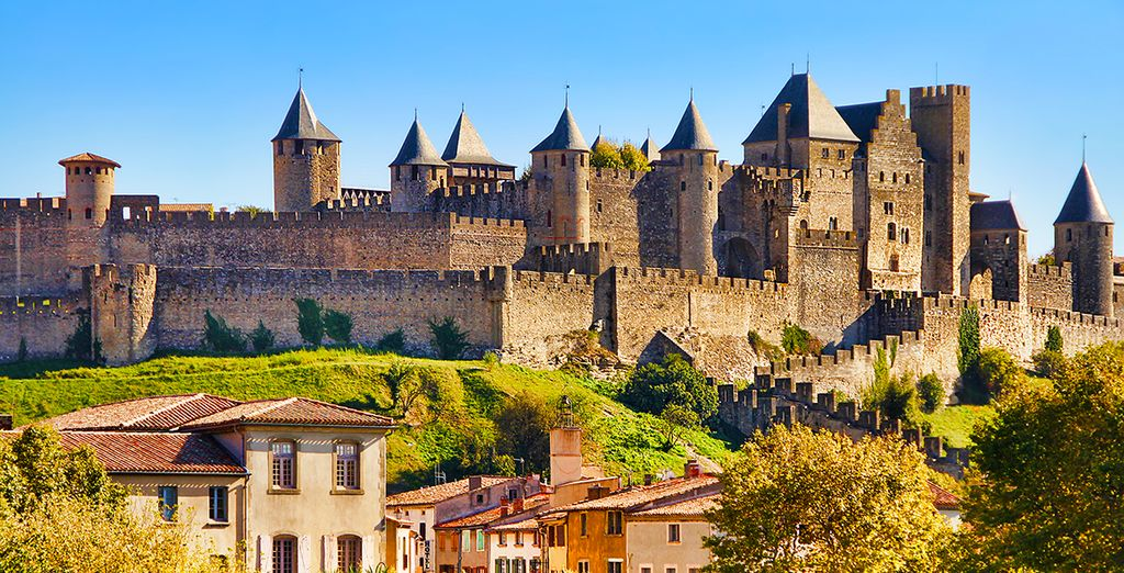 ... Before taking the direction of Carcassonne