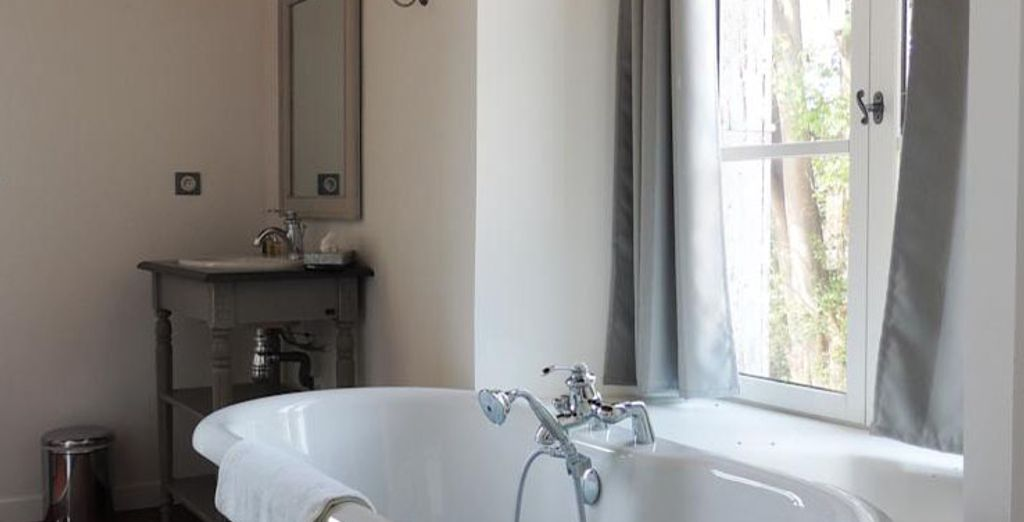 With a spacious bathroom, bright and contemporary