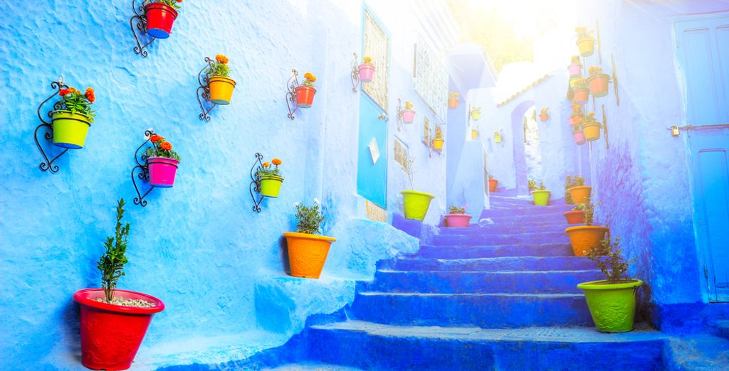 Explore the imperial cities & the marvellous blue Chefchaouen...