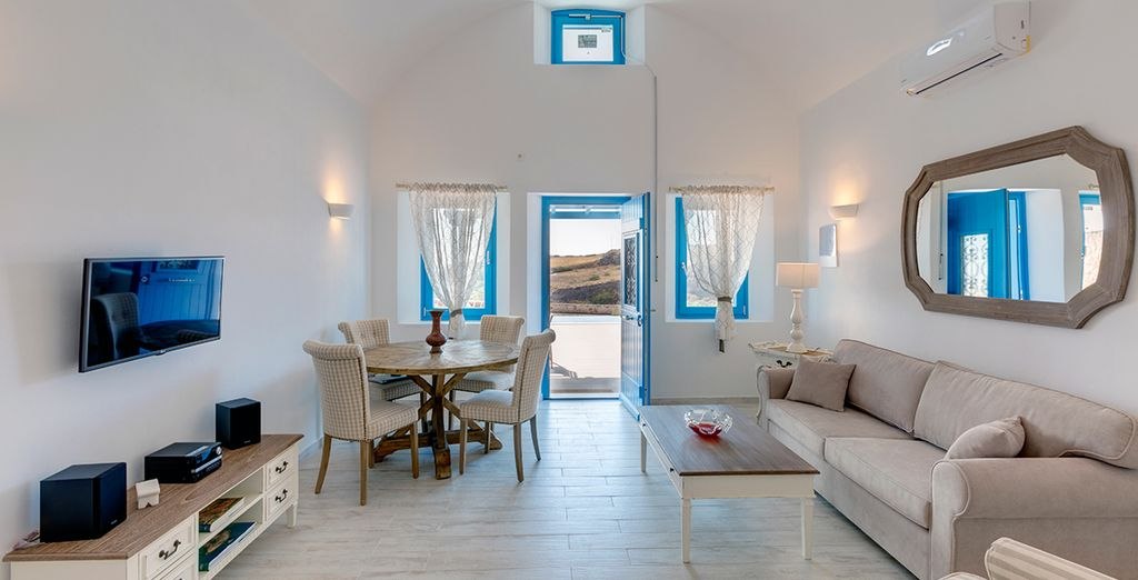 From your charming boutique suite - Desiterra Suites Fira
