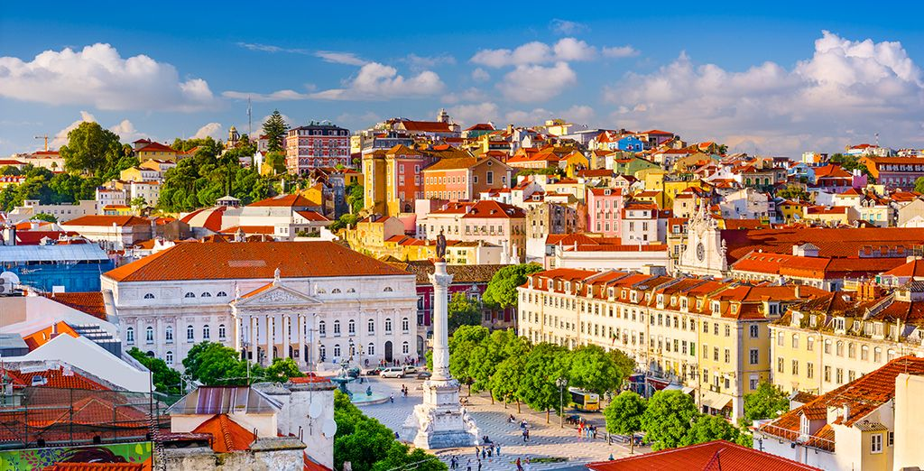 Uncover the history of this colourful city