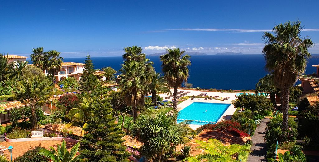 Set in 30,000 square metres of beautiful landscaped gardens, overlooking the sea - Quinta Splendida Wellness & Botanical Garden 4* Canico