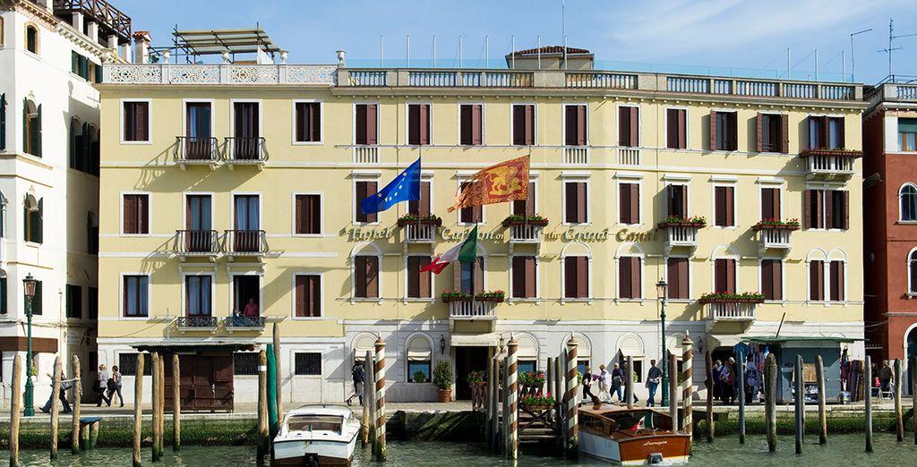 Visit the 4* Hotel Carlton