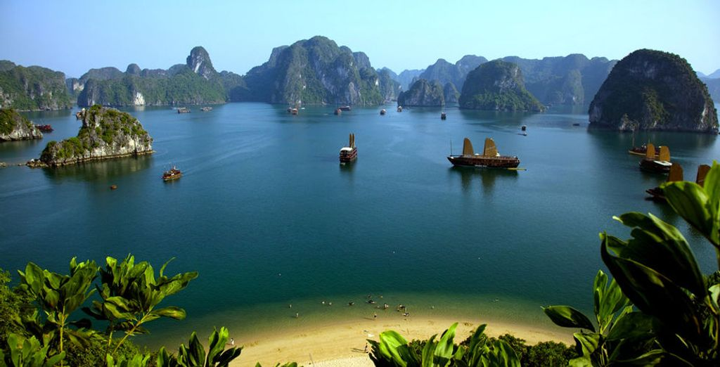On the breathtaking Ha Long Bay