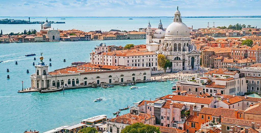 Nearby to the main attractions of Venice
