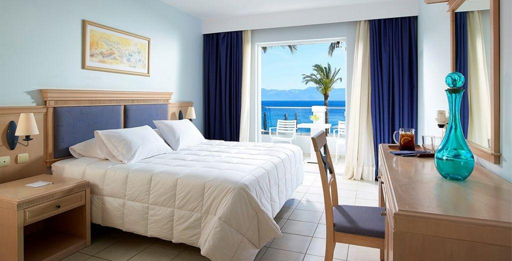 Enjoy a Comfort Sea View Room