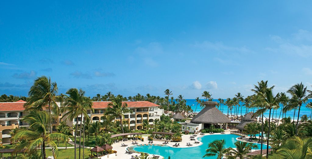 You are also invited to dine at the Now Larimar resort