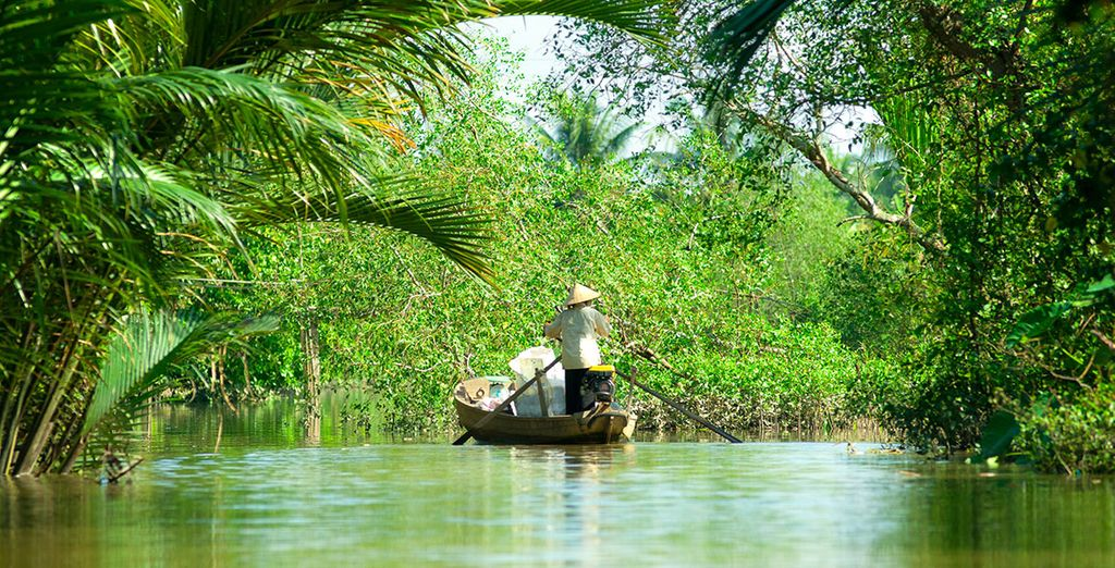 Travel along the Mekong Delta