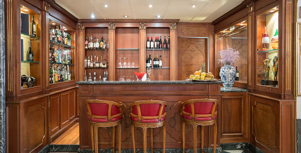 Then return for a typical Venetian Aperitivo at the bar
