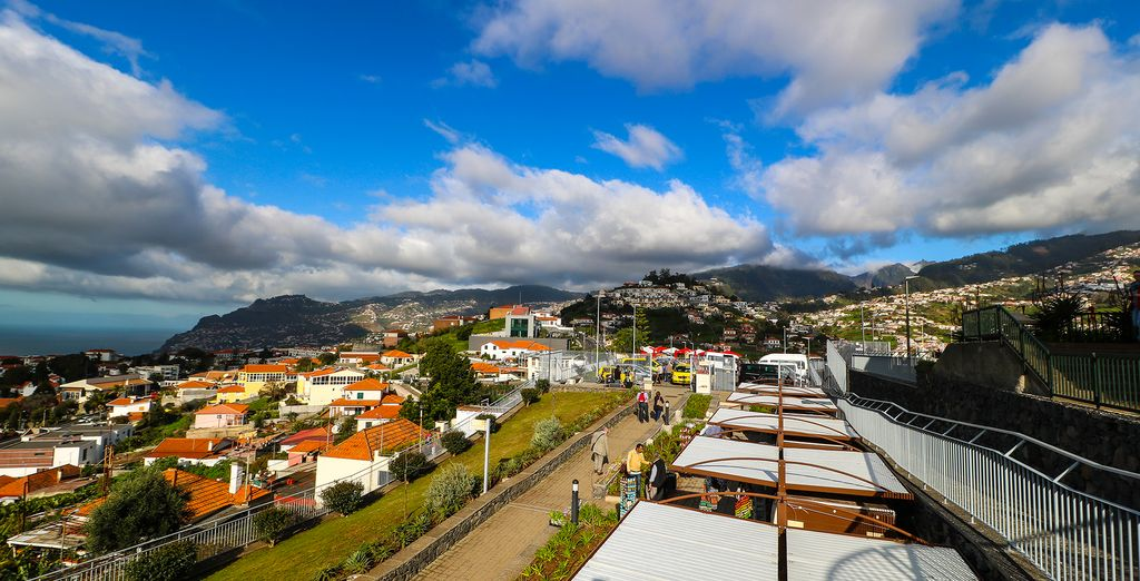 In your tour you'll get to see the famous Pico dos Barcelos
