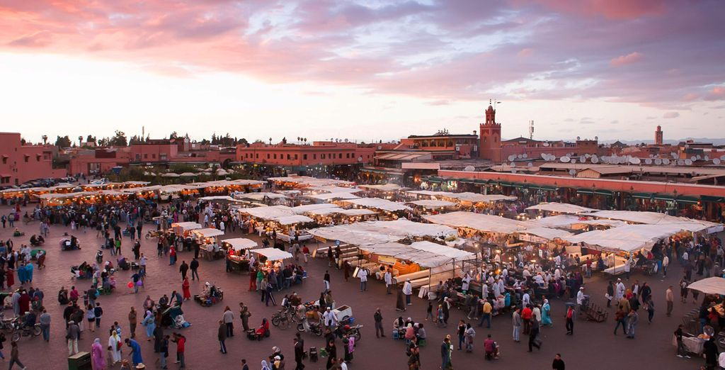Visit the Jemaa el Fna and the souks