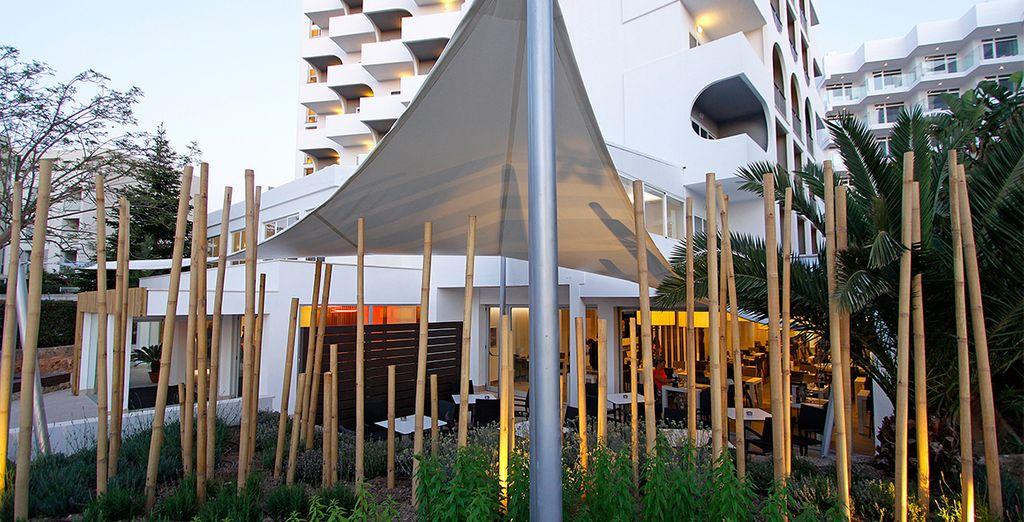 Modern and contemporary decor...