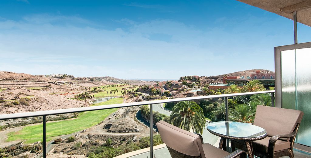 With spectacular views of the Golf Course