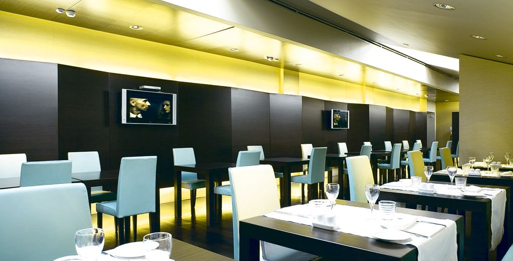 You can also enjoy delicious food at Una Restaurant