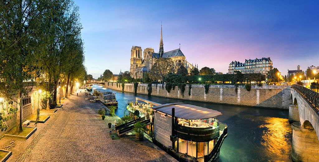 Take a romantic stroll in the shadow of the Notre Dame