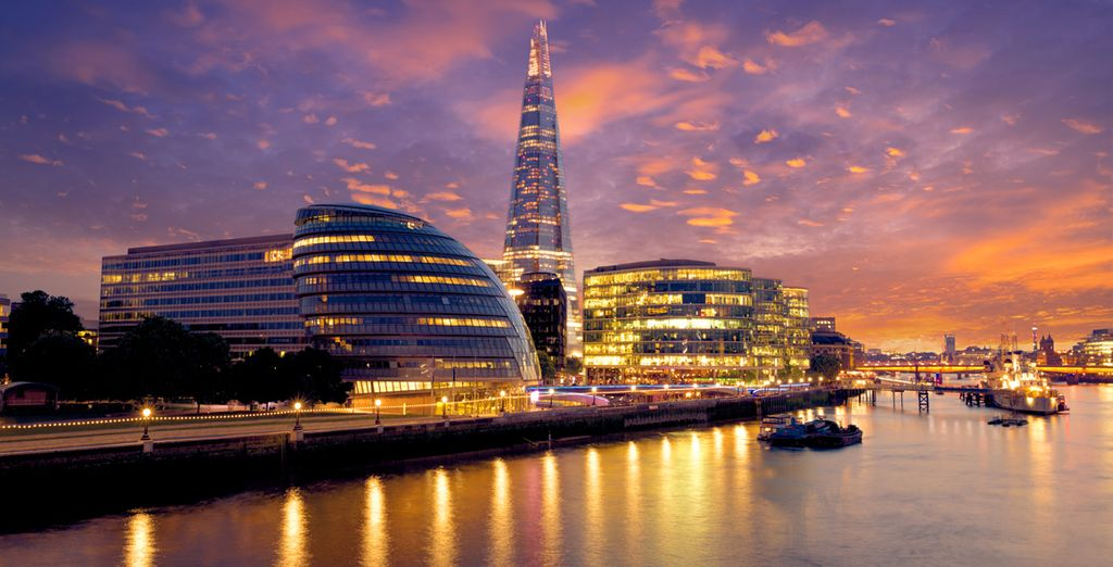 Enjoy a complimentary Thames River Cruise